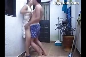 Patayo na mating position ang filipina strengthen