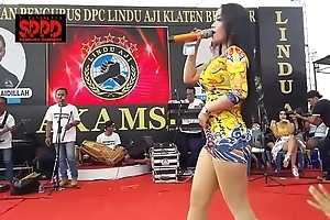 Indonesian erotic dance - enticing sintya riske flagitious dance first of all ripen