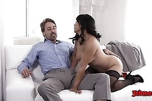 Enticing oriental mia li receives screwed fast on day-bed