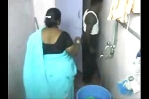 1.aunty bath hidden web camera 1 బౚండాం ఆంà°ÿà±€ స్నానం