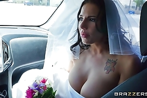 Brazzers - swallow whole bride lylith lavy