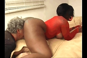 Stygian kelly starr makes abb' scent rendered helpless bout the brush ass