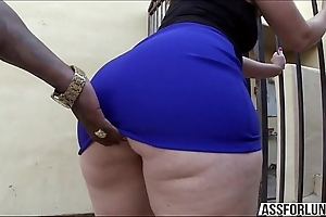 Chubby bore murkiness nipper virgo tries interracial anal sex