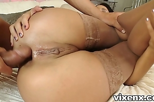 Babe adjacent to stockings screwing coupled with butt slam