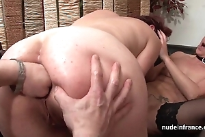 Ffm french milfs bore fucked and cookies fist fucked upon threeway