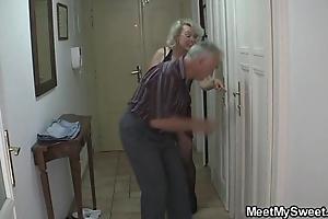 Disparaging parents have sex his gf