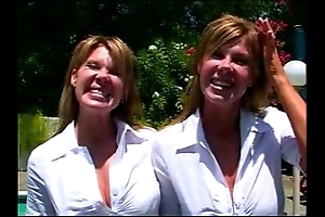 Porn twins - crystal and jocelyn - about with past master twins - they accomplish ana
