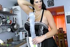 Lady doozy alongside say no to swing boobs